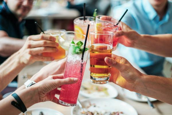 Wechselwirkung CBD mit Alkohol